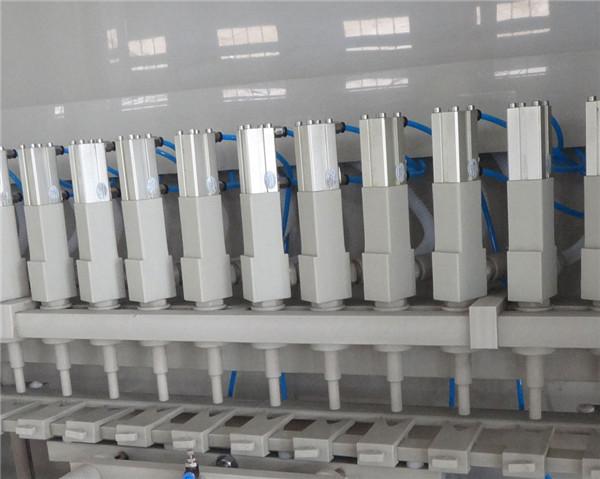 Detalhes da máquina de enchimento anticorrosivo 16